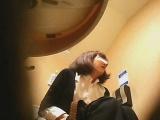 セックス_オナニー_素人_潜入!!女子化粧室盗撮~絶対見られたくない時間~vol42_盗撮_覗き_中村屋_01