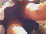 チラ_素人_vol.63_美人アパレル胸チラ&パンチラ_サンタさんチックな店員さん_盗撮_覗き_中村屋_11