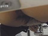 トイレ_素人_お銀さんの「洗面所突入レポート!!」_お銀さんの「洗面所突入レポート!!」_vol.35_広げると_盗撮_覗き_中村屋_01