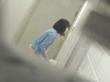 トイレ_teen_お銀さんの「洗面所突入レポート!!」_vol.43_ちょろっとさん_盗撮_覗き_中村屋_03