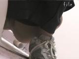 トイレ_teen_マ○コ丸見え!!第二体育館潜入撮File.7前編_盗撮_覗き_中村屋_02