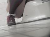 トイレ_素人_お銀さんの「洗面所突入レポート!!」_vol.65_美女を撮るためにみんなの前に割り込む!!前編_盗撮_覗き_中村屋_05